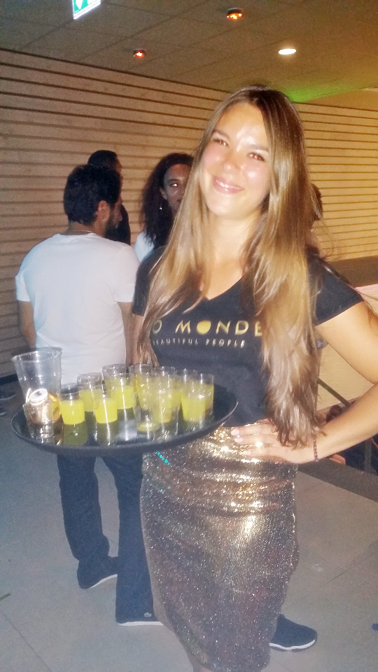 Bo Monde waitress Amber (4)