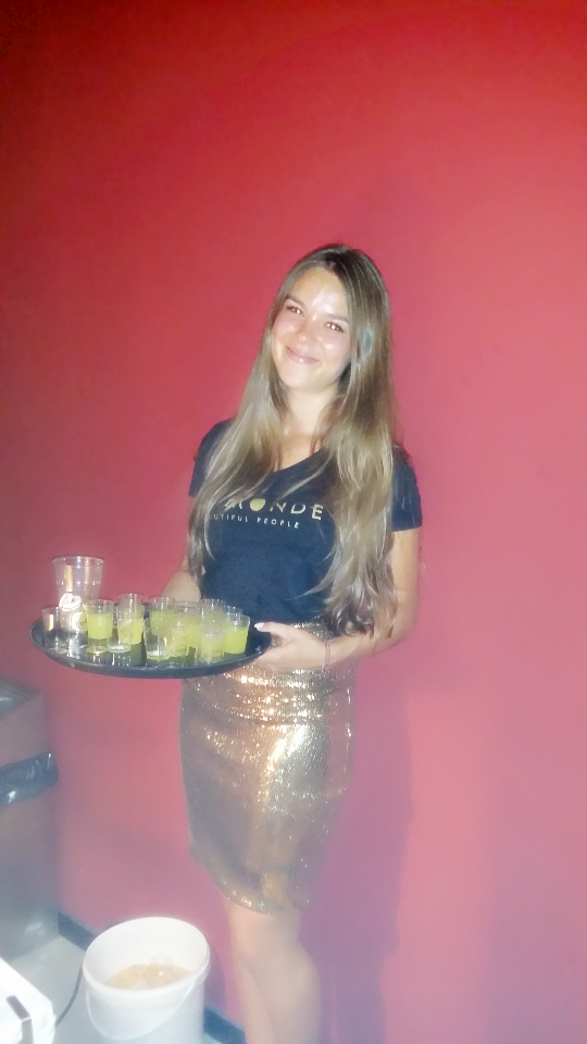 Bo Monde waitress Amber (5)